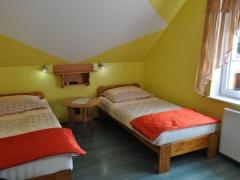 Całoroczne pokoje gościnne u Bodzia nad Nieslyszem w Przełazach.